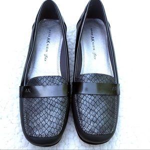 ANN KLEIN Vittorio Silver Loafer Shoes